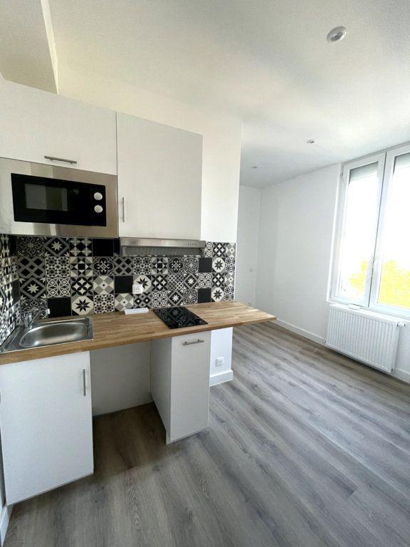 Appartement à louer 1 13.06m2 à Compiègne vignette-2
