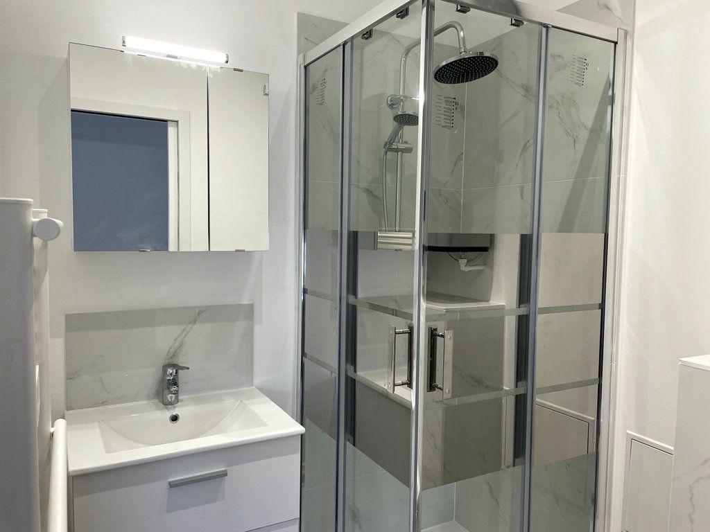 Appartement à louer 1 13.06m2 à Compiègne vignette-4