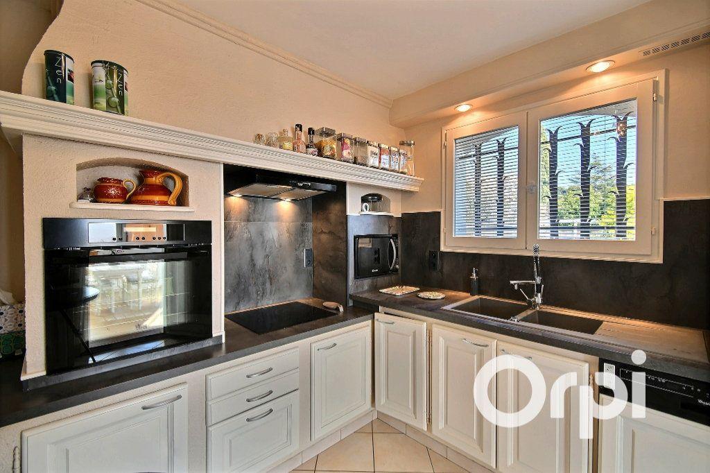 Maison à vendre 7 156m2 à Carqueiranne vignette-2