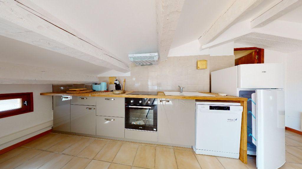 Appartement à louer 2 48.5m2 à Carqueiranne vignette-2