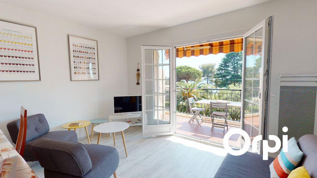 Appartement à vendre 3 62.42m2 à Carqueiranne vignette-1