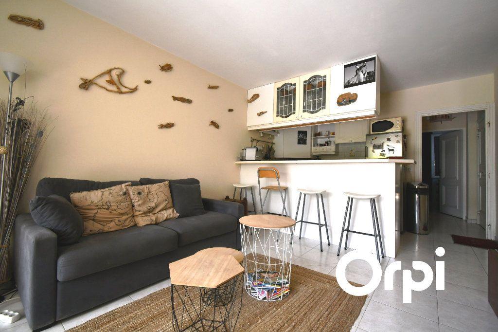 Appartement à vendre 2 39m2 à Carqueiranne vignette-4