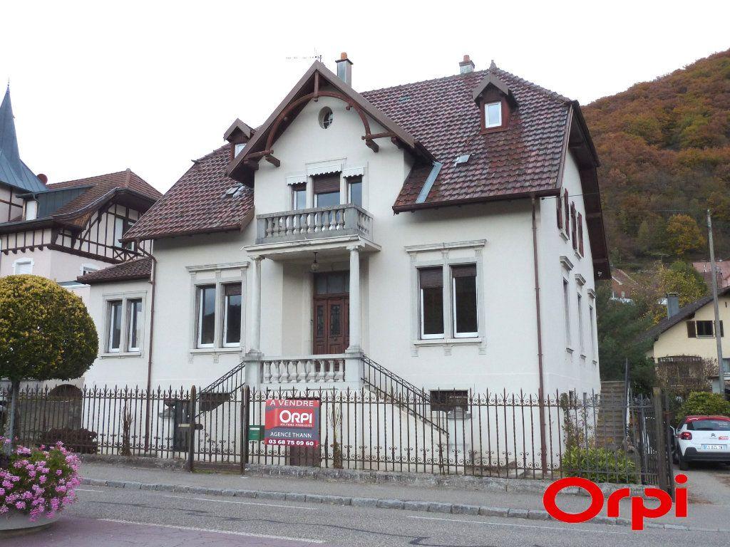 Maison à vendre 11 254m2 à Saint-Amarin vignette-1
