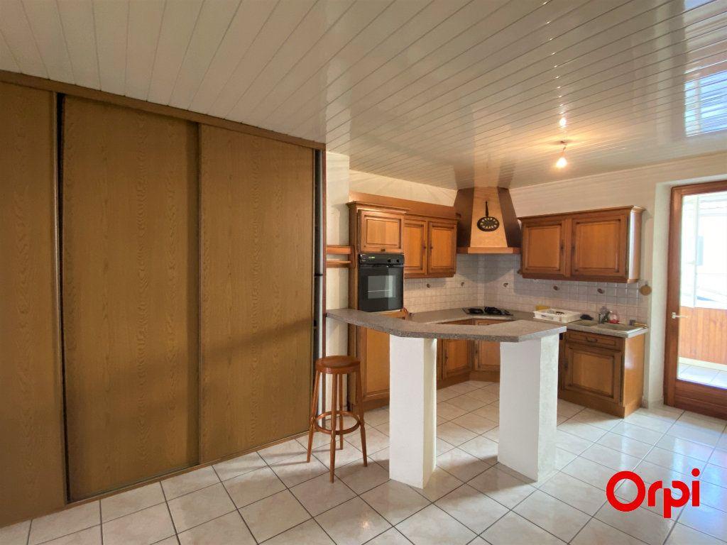 Appartement à vendre 4 100m2 à Thann vignette-1