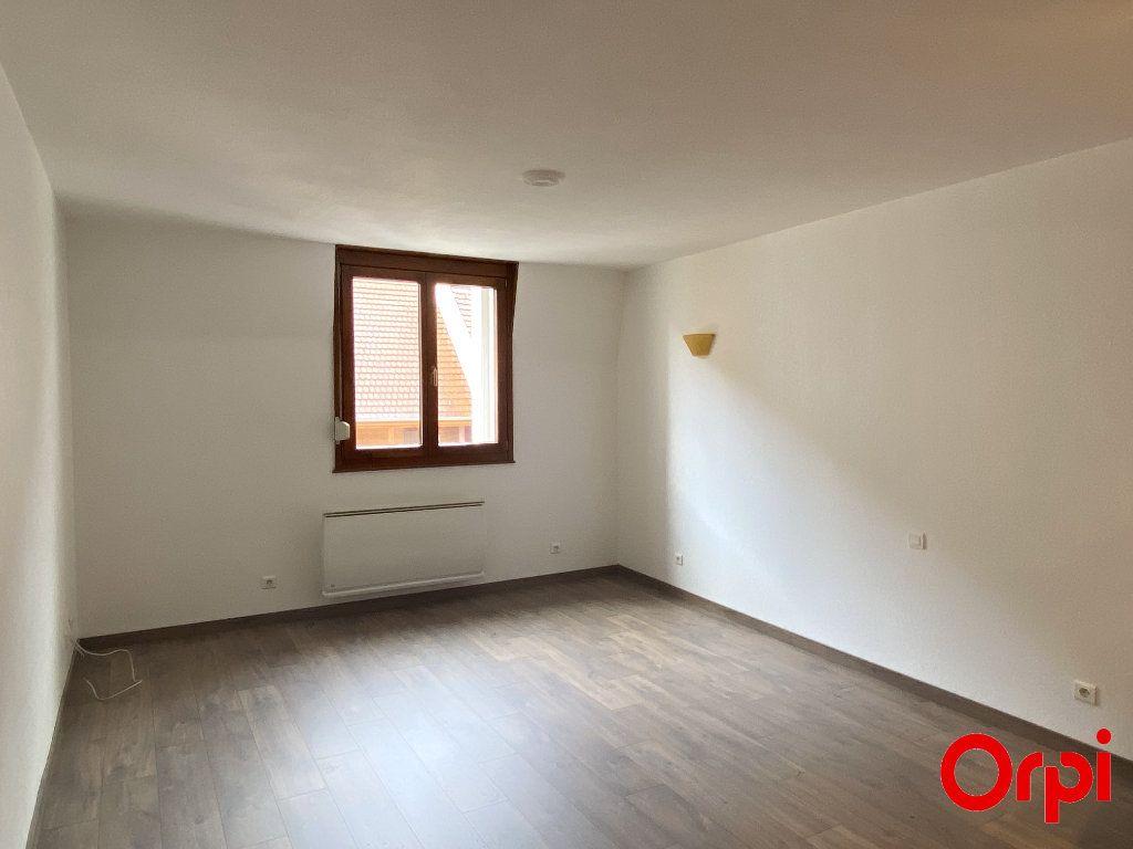 Appartement à louer 4 75.4m2 à Thann vignette-1