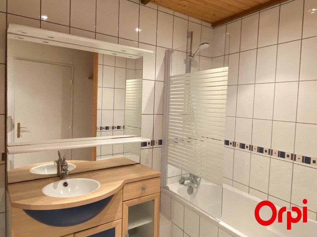 Appartement à louer 4 75.4m2 à Thann vignette-6