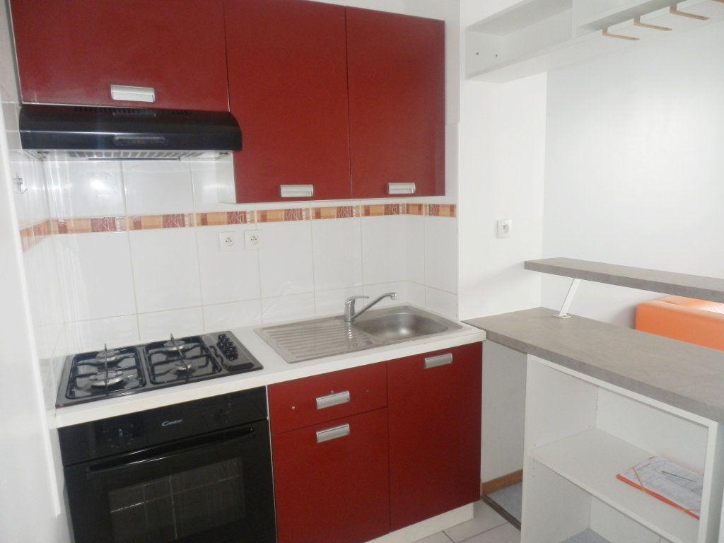 Appartement à louer 2 32m2 à Brest vignette-1