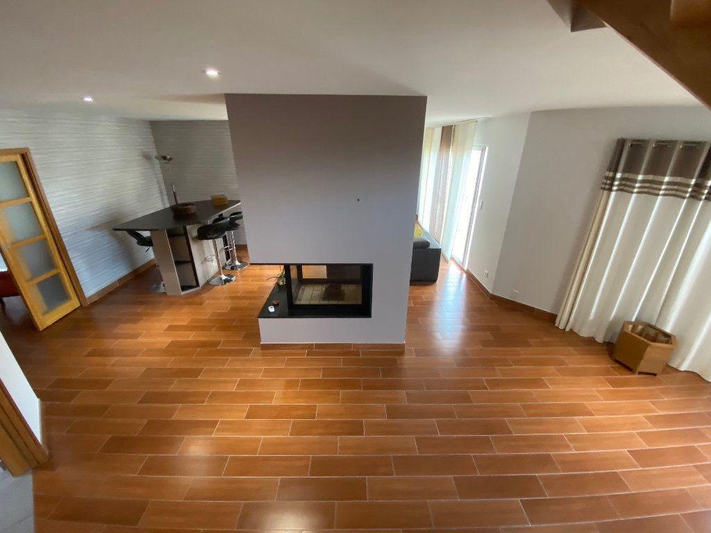 Maison à vendre 7 203.85m2 à Ploudalmézeau vignette-2
