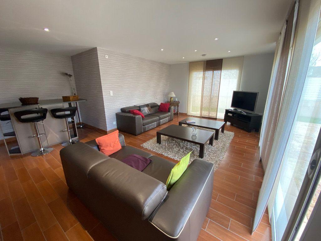 Maison à vendre 7 203.85m2 à Ploudalmézeau vignette-3