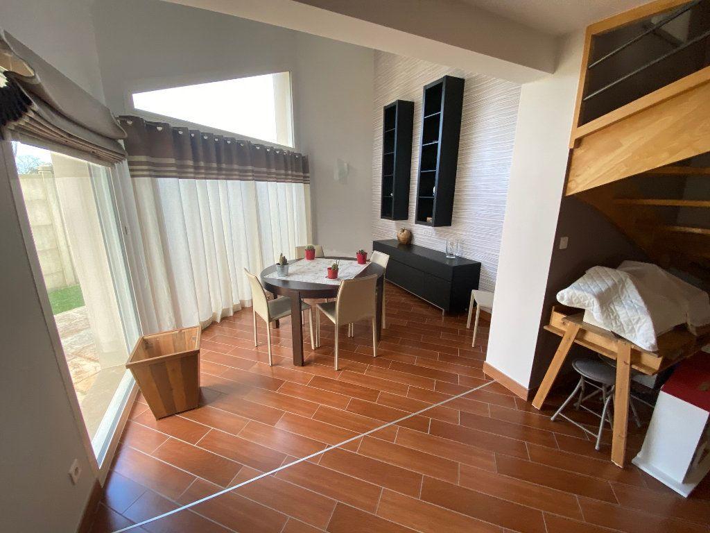 Maison à vendre 7 203.85m2 à Ploudalmézeau vignette-4