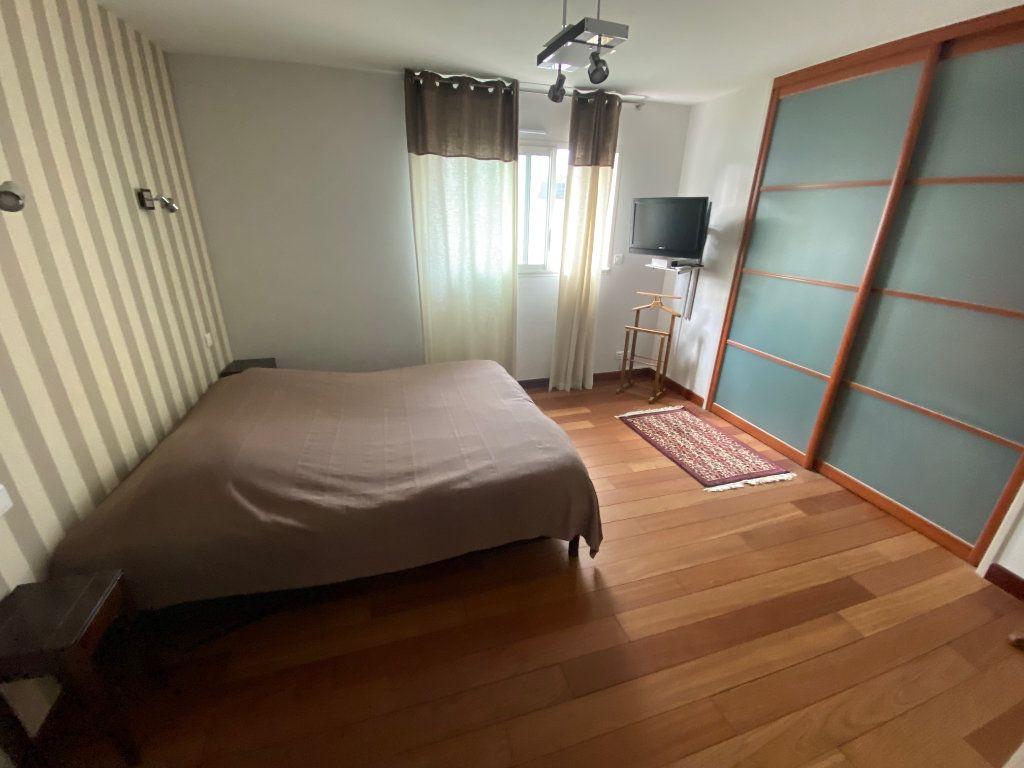 Maison à vendre 7 203.85m2 à Ploudalmézeau vignette-5
