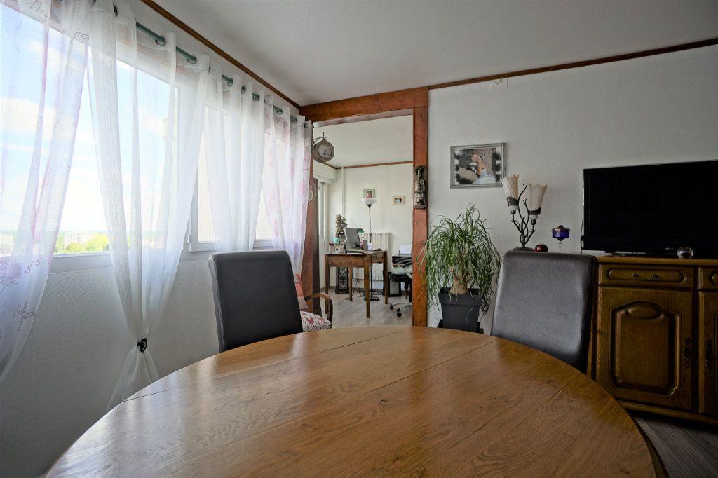 Appartement à vendre 5 100m2 à Bihorel vignette-3