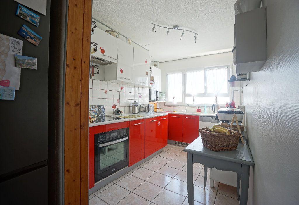 Appartement à vendre 5 100m2 à Bihorel vignette-5