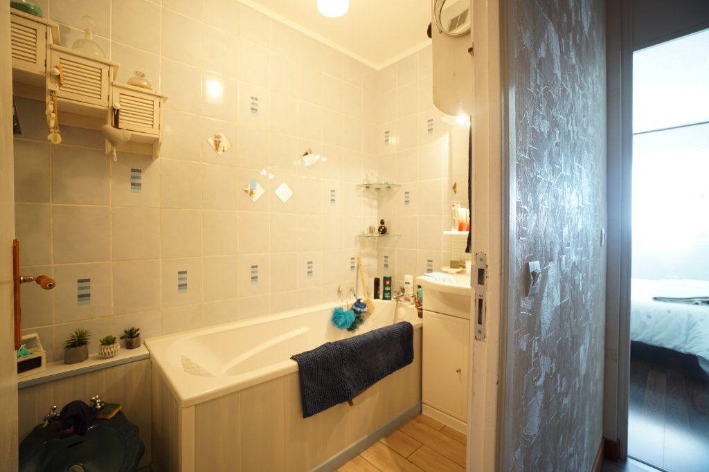 Appartement à vendre 5 100m2 à Bihorel vignette-8