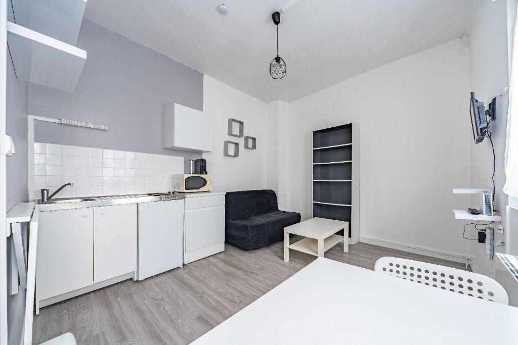 Appartement à louer 1 19m2 à Rouen vignette-1