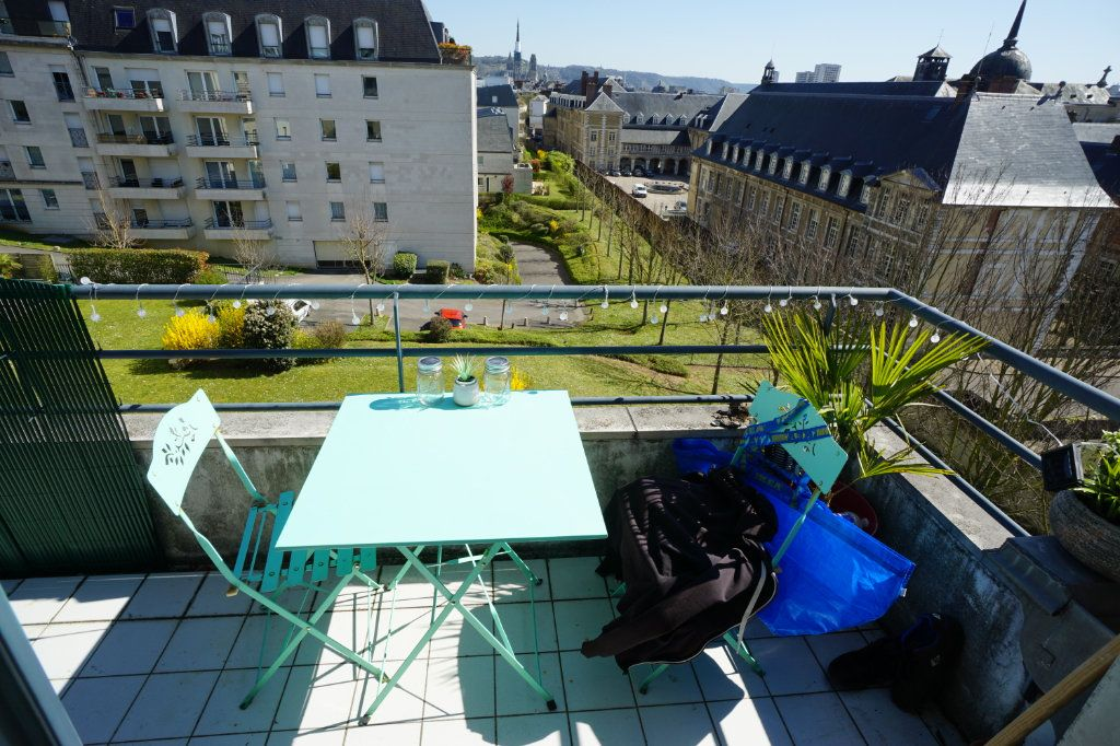 Appartement à louer 3 55.58m2 à Rouen vignette-1