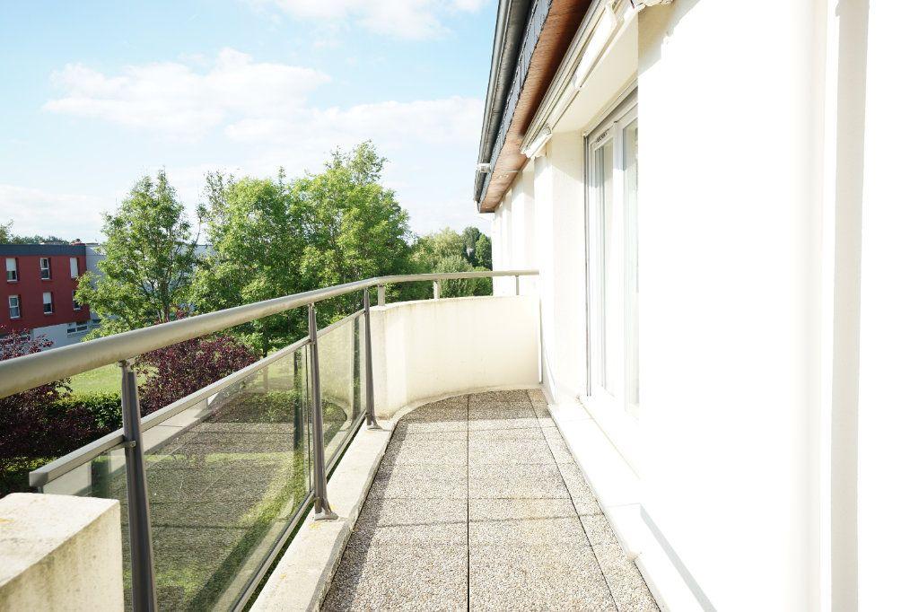Appartement à vendre 4 92.95m2 à Mont-Saint-Aignan vignette-2