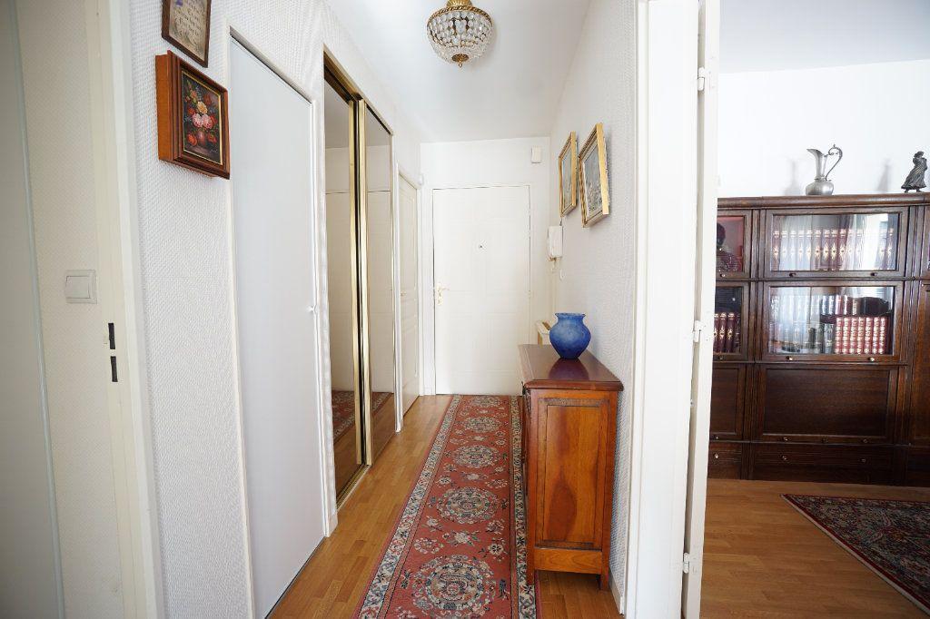 Appartement à vendre 4 92.95m2 à Mont-Saint-Aignan vignette-6