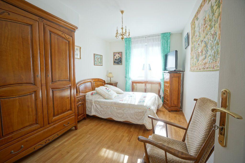 Appartement à vendre 4 92.95m2 à Mont-Saint-Aignan vignette-9