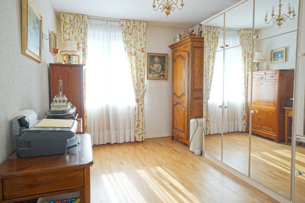 Appartement à vendre 4 92.95m2 à Mont-Saint-Aignan vignette-10