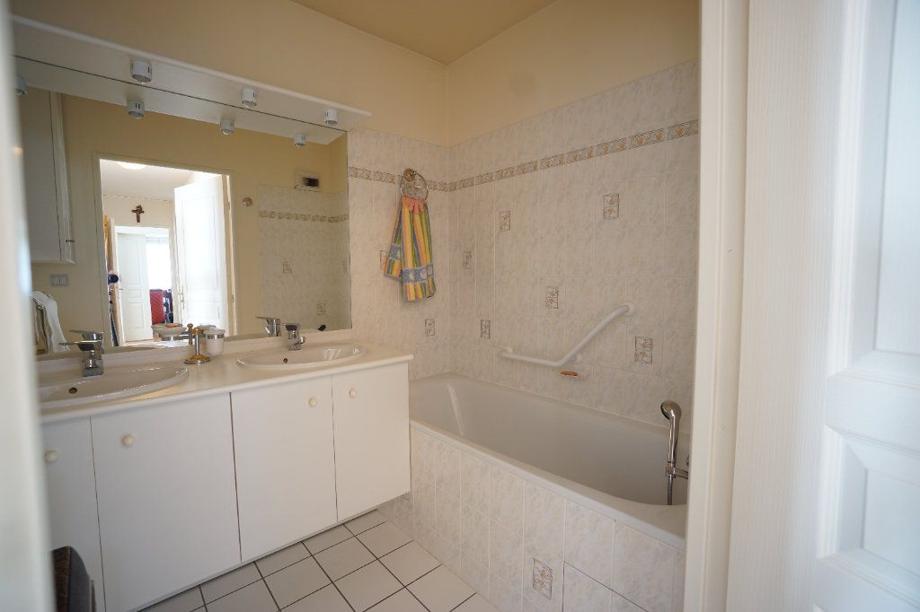 Appartement à vendre 4 92.95m2 à Mont-Saint-Aignan vignette-11