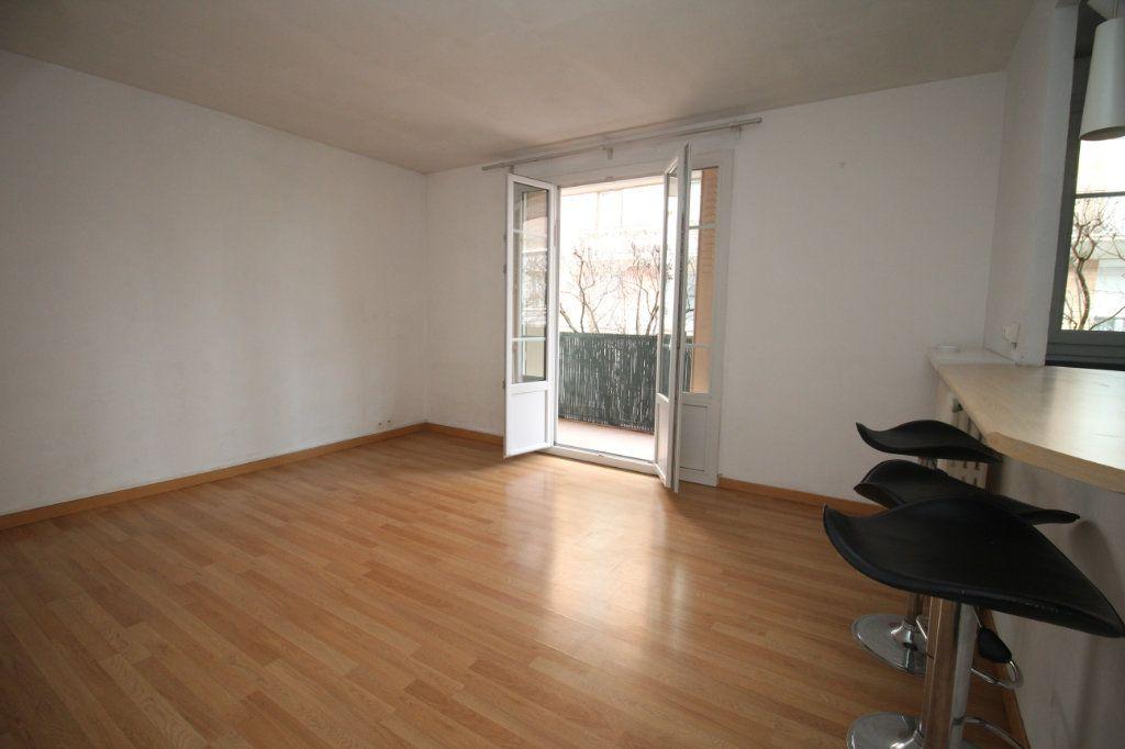 Appartement à vendre 1 29.1m2 à Issy-les-Moulineaux vignette-1