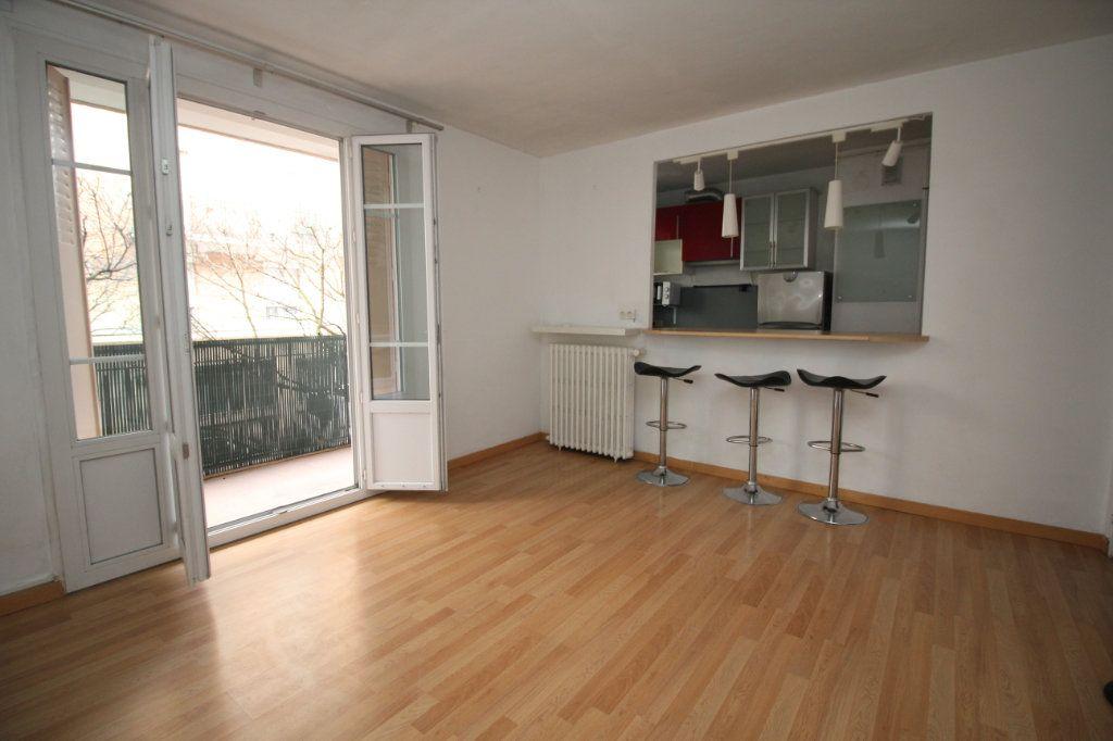Appartement à vendre 1 29.1m2 à Issy-les-Moulineaux vignette-2