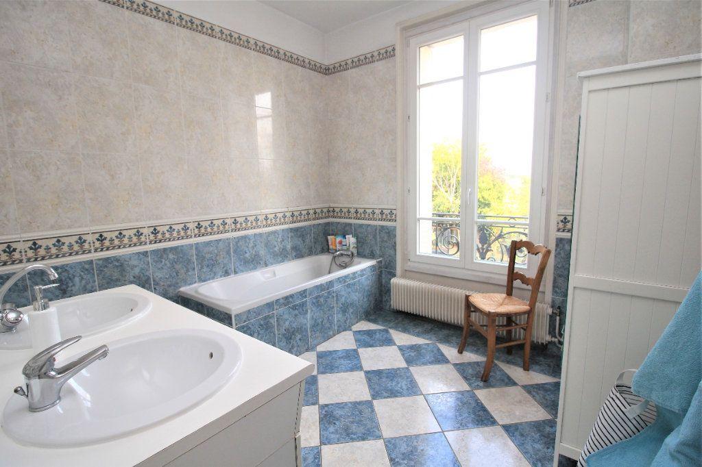 Maison à vendre 7 155m2 à Cormeilles-en-Parisis vignette-7