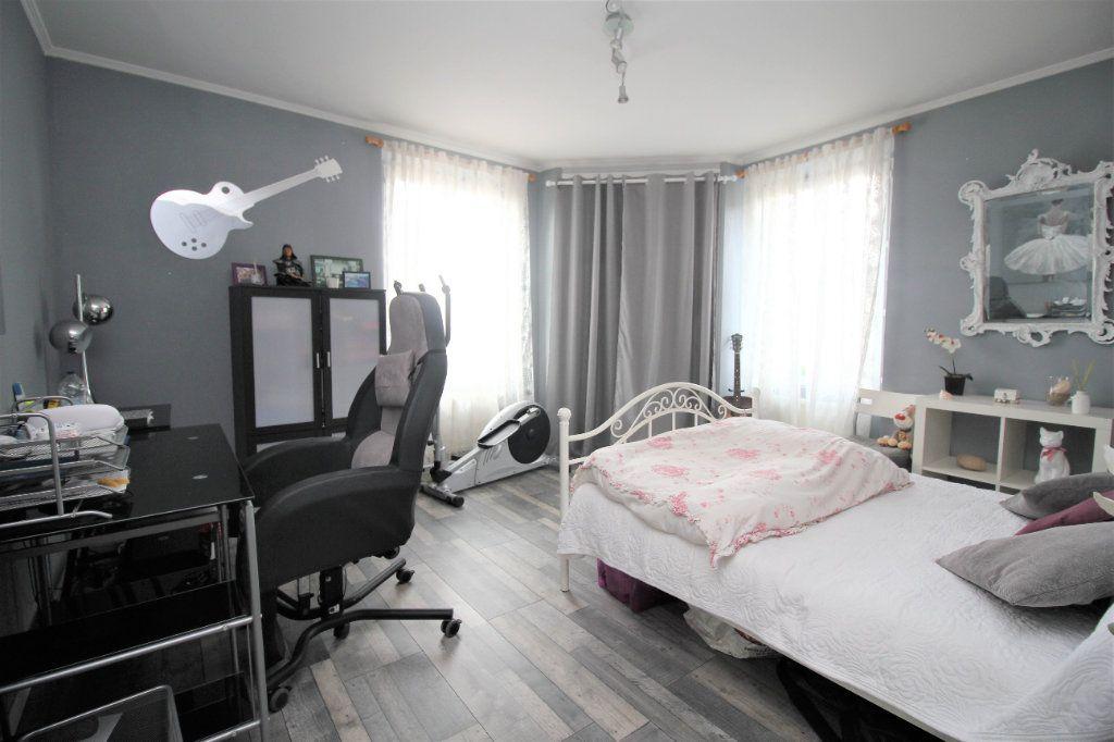 Maison à vendre 5 127.61m2 à Cormeilles-en-Parisis vignette-3