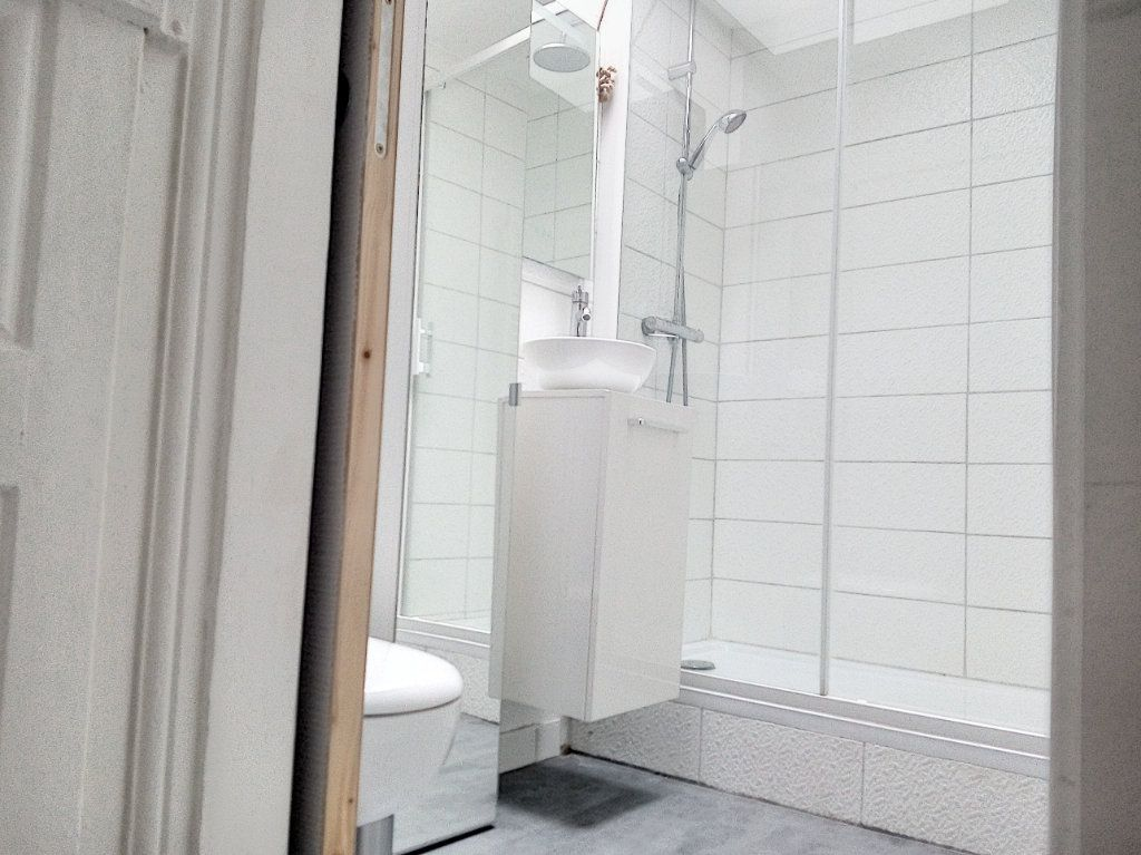 Appartement à louer 1 31.21m2 à Nantes vignette-10
