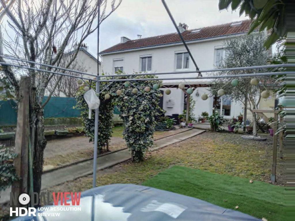 Maison à vendre 7 85m2 à Nantes vignette-1