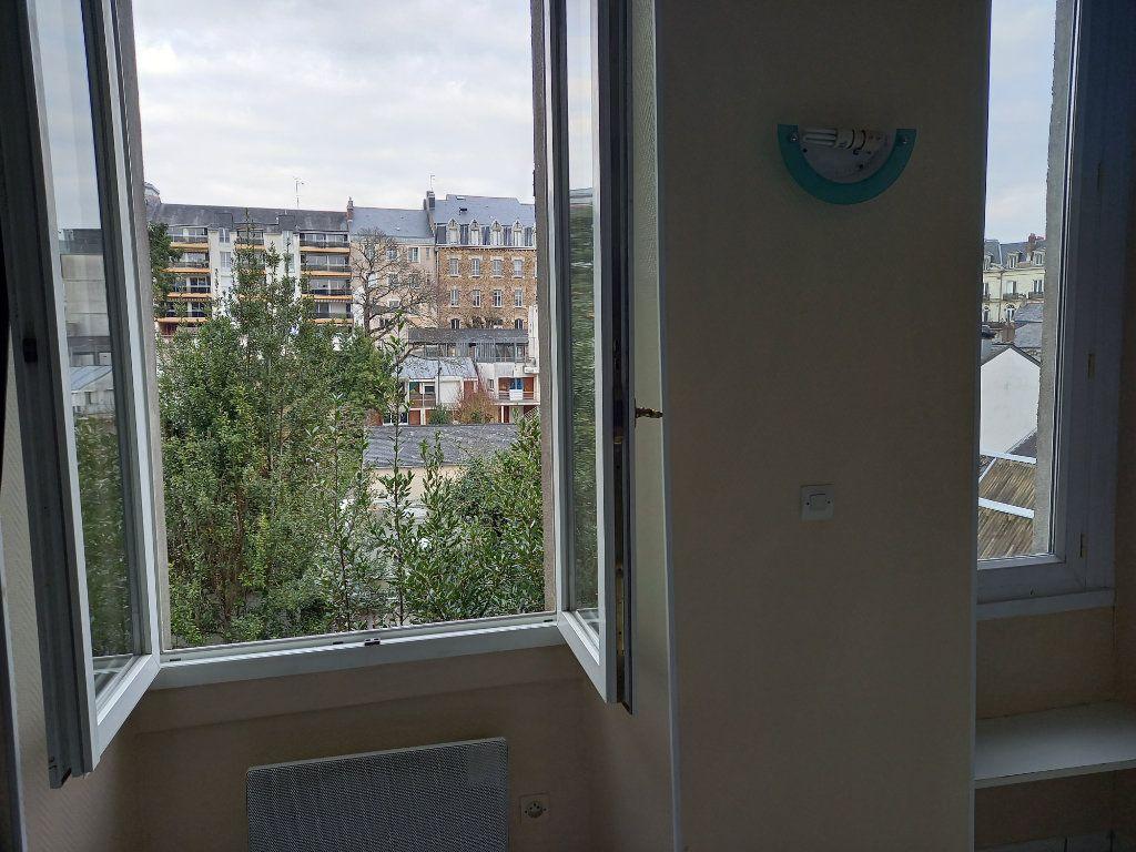 Appartement à louer 1 17.29m2 à Nantes vignette-2