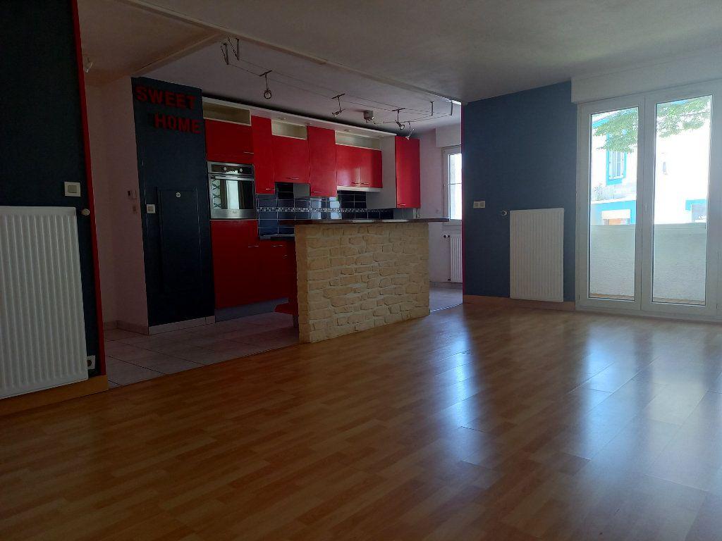 Appartement à louer 3 65.7m2 à Nantes vignette-4