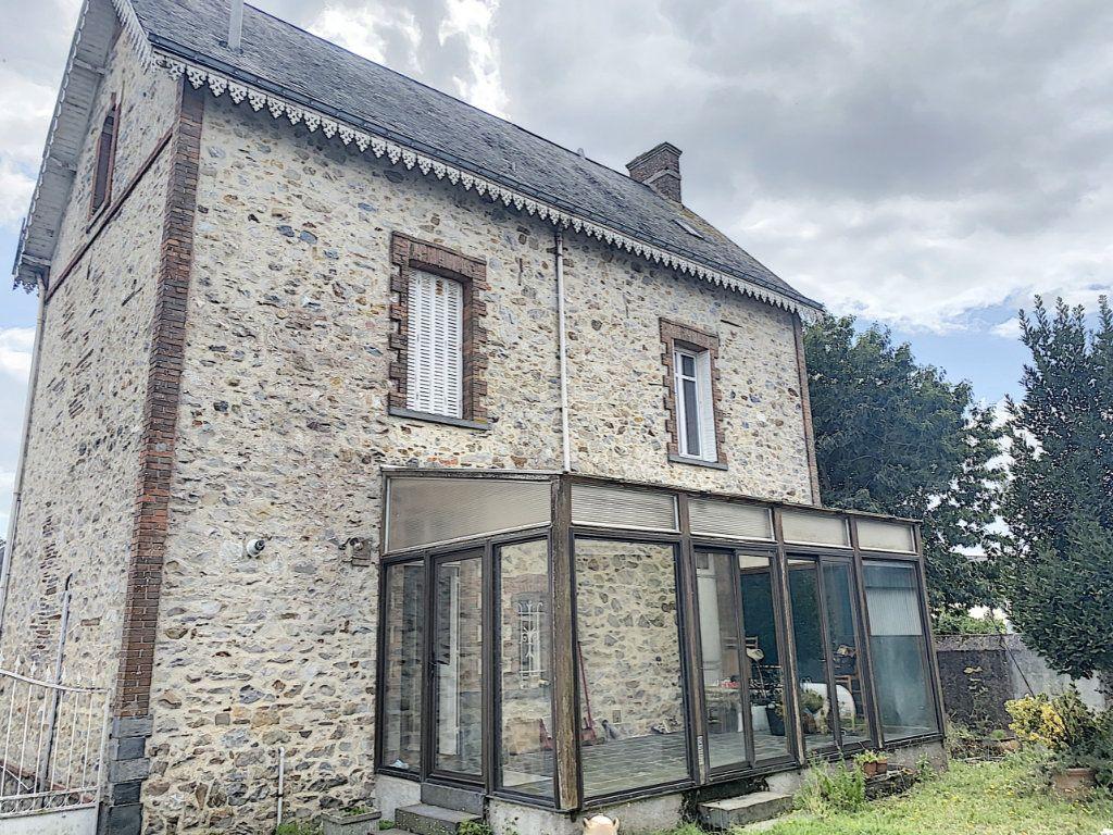 Maison à vendre 6 147.3m2 à Saint-Vincent-des-Landes vignette-1