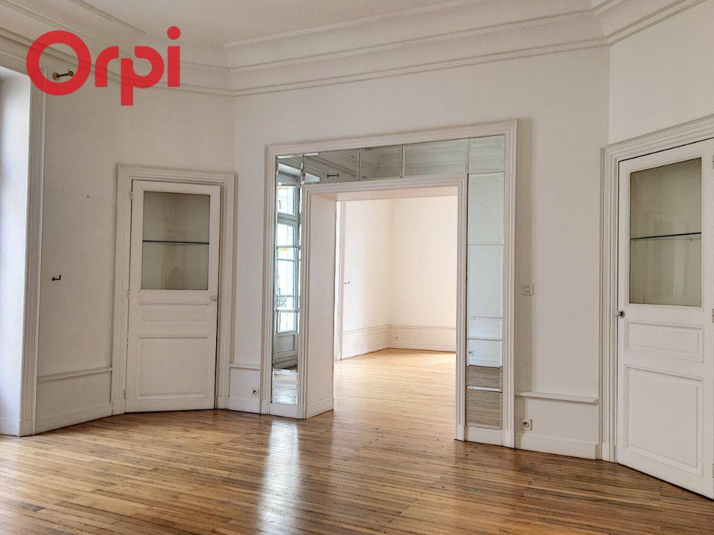 Appartement à vendre 5 159.94m2 à Nantes vignette-3