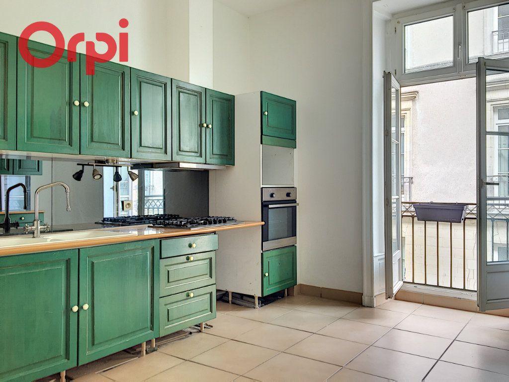 Appartement à vendre 5 159.94m2 à Nantes vignette-4
