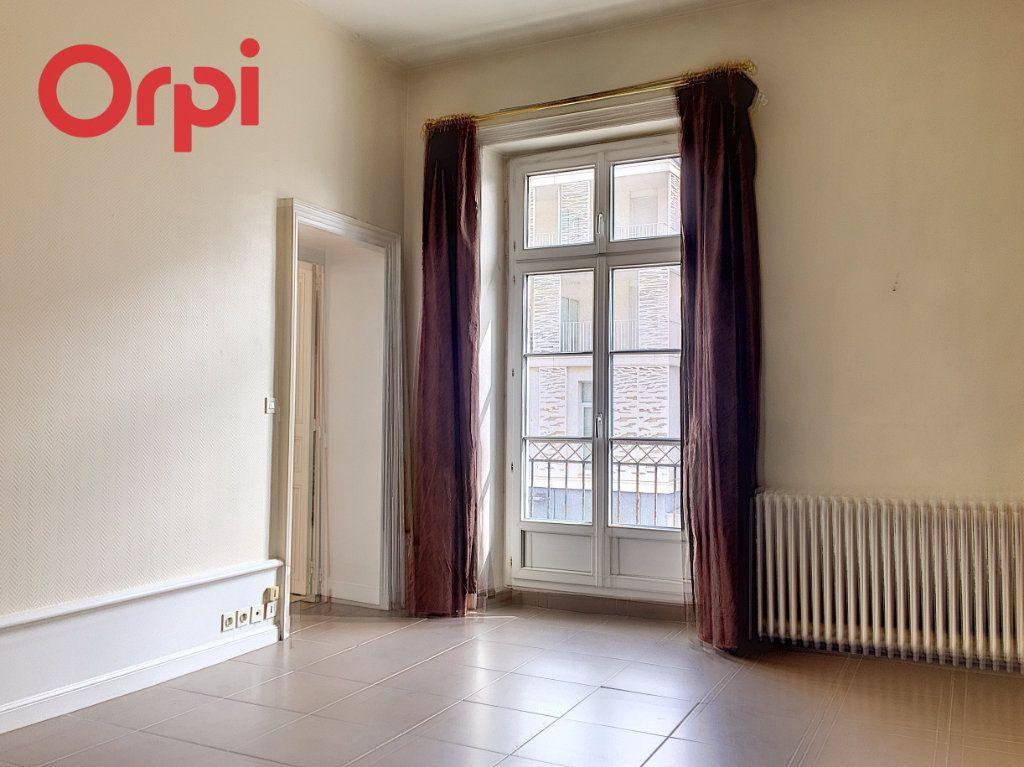 Appartement à vendre 5 159.94m2 à Nantes vignette-5