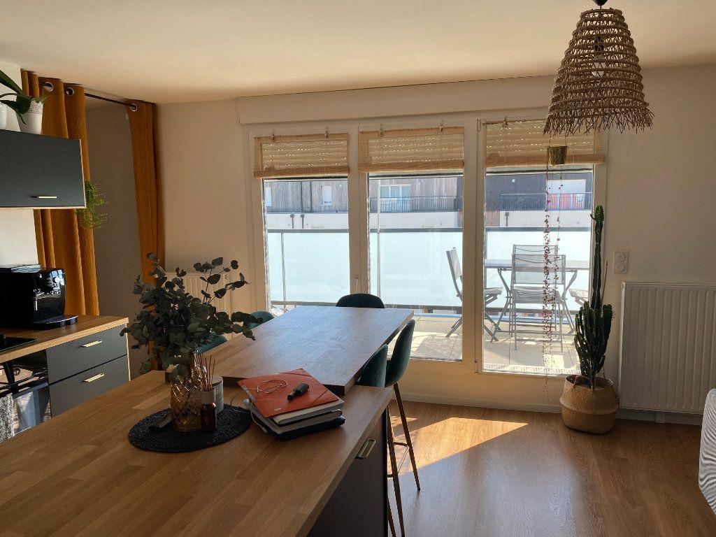 Appartement à vendre 3 68m2 à Nantes vignette-2