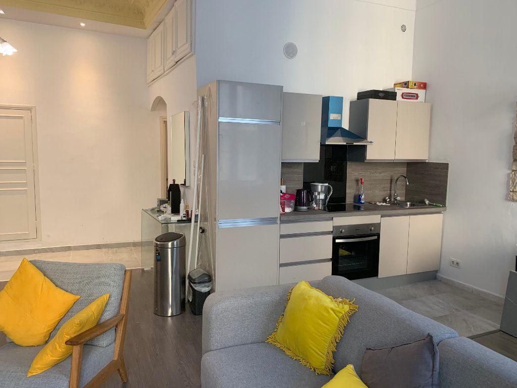 Appartement à vendre 3 65m2 à Nice vignette-3