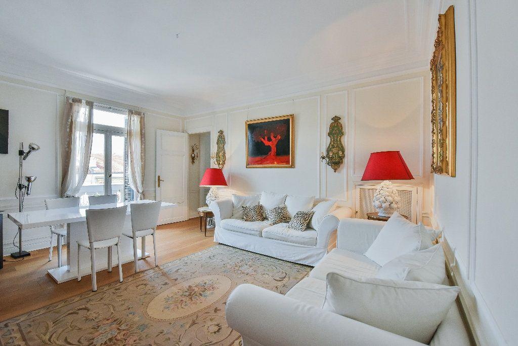 Appartement à vendre 3 68.7m2 à Nice vignette-1