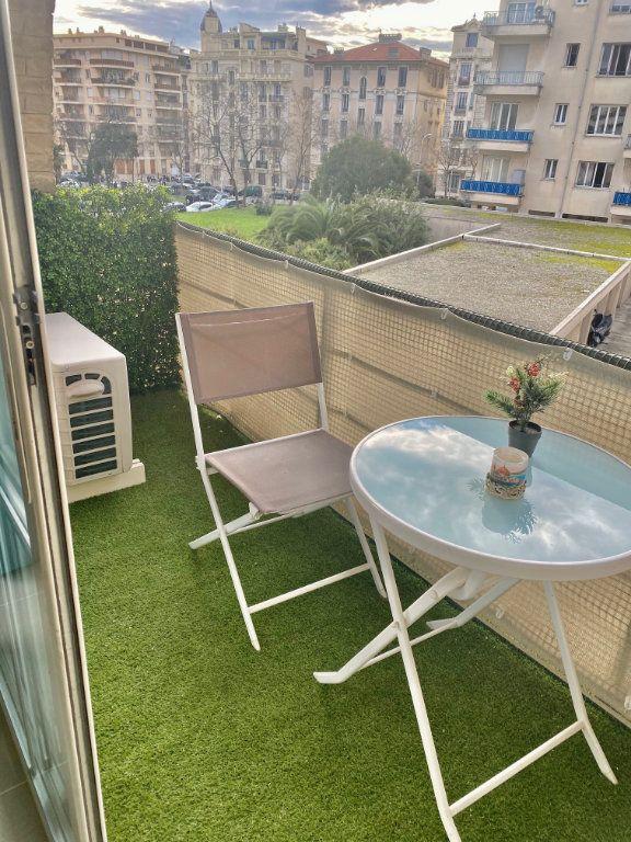 Appartement à vendre 2 44.89m2 à Nice vignette-18