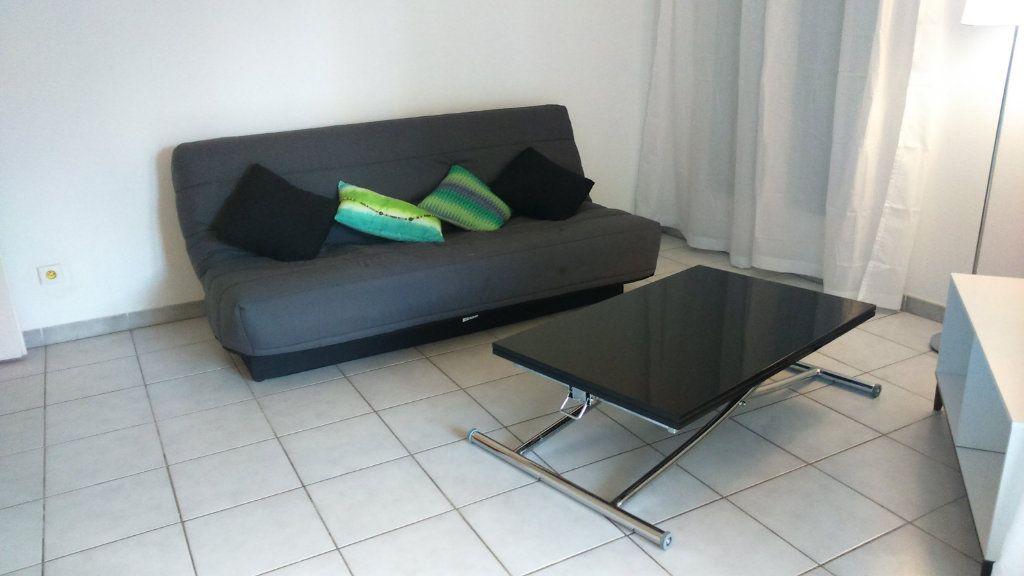 Appartement à louer 2 30.38m2 à Nice vignette-1