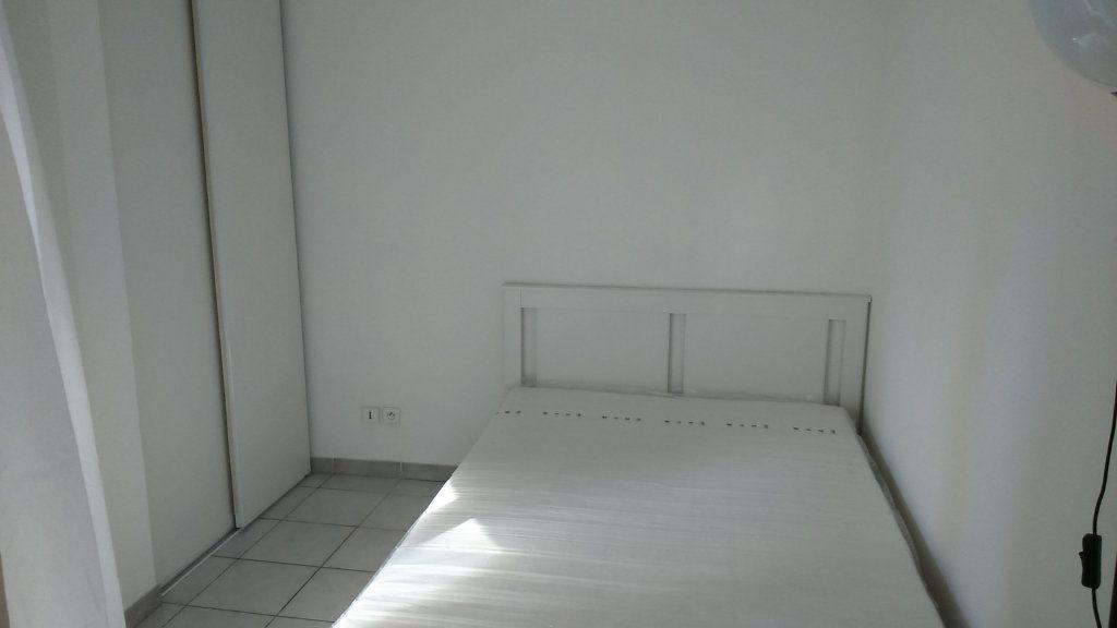 Appartement à louer 2 30.38m2 à Nice vignette-5