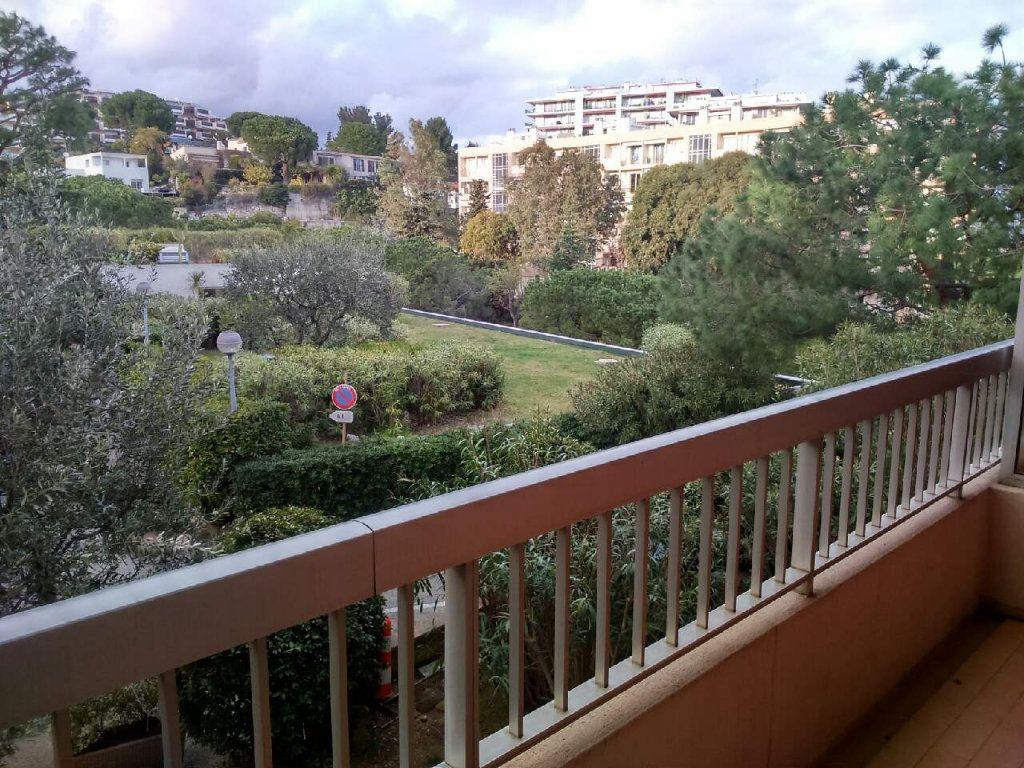 Appartement à louer 1 19.67m2 à Nice vignette-1