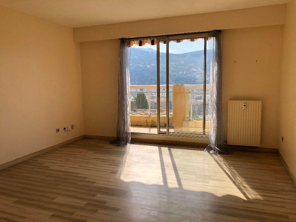 Appartement à louer 1 25.66m2 à Nice vignette-1