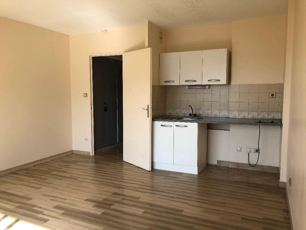 Appartement à louer 1 25.66m2 à Nice vignette-2