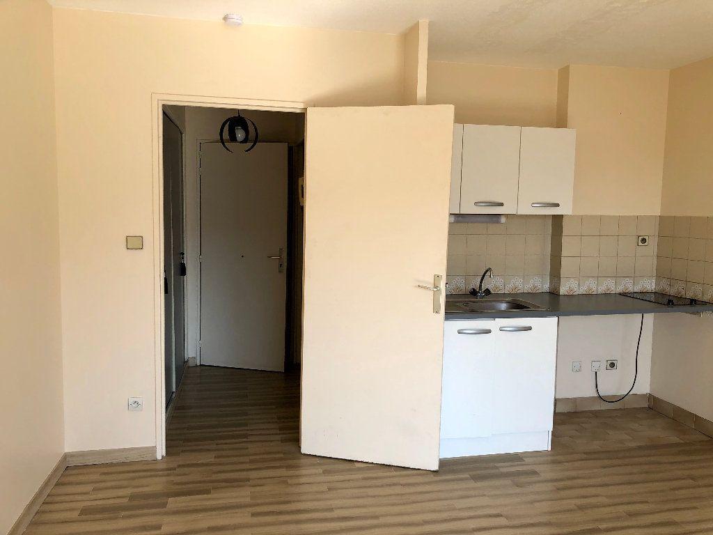 Appartement à louer 1 25.66m2 à Nice vignette-5