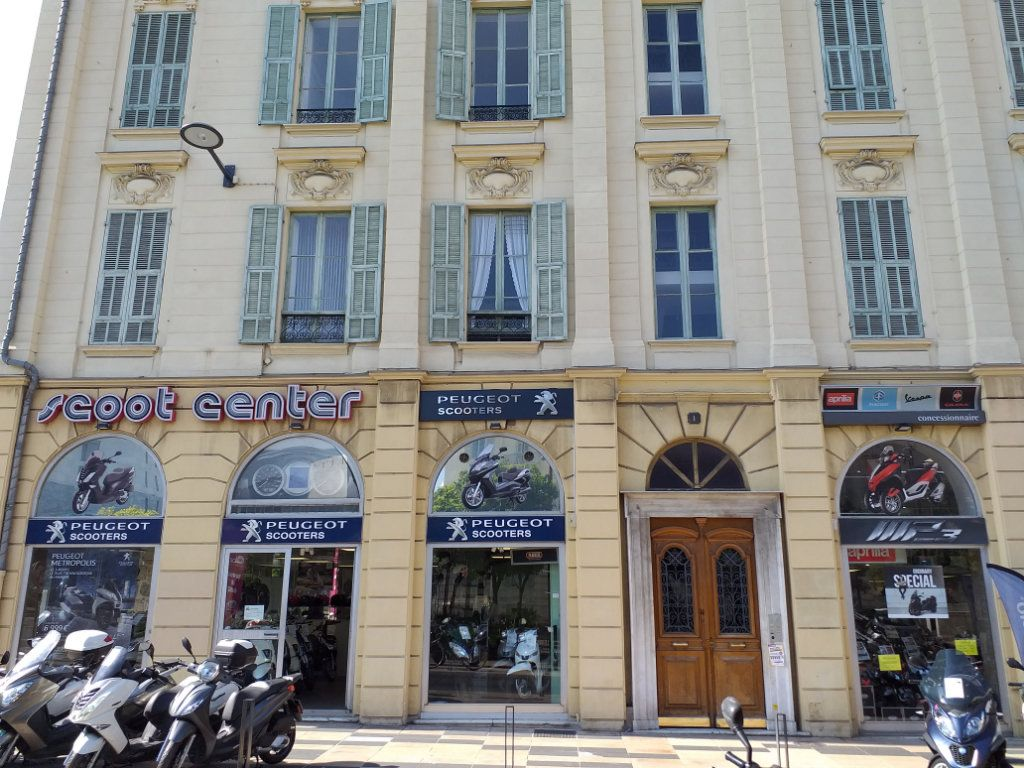 Appartement à louer 6 133m2 à Nice vignette-10