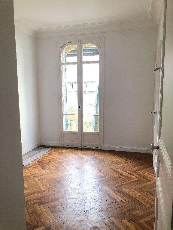Appartement à louer 3 64.61m2 à Nice vignette-3