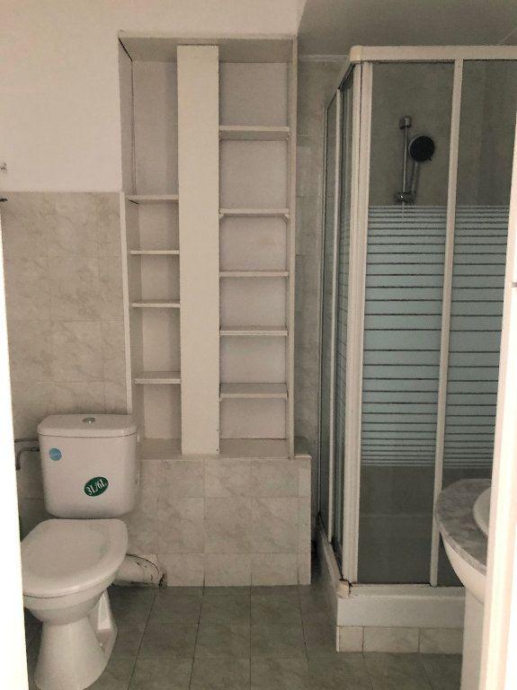 Appartement à louer 3 64.61m2 à Nice vignette-4